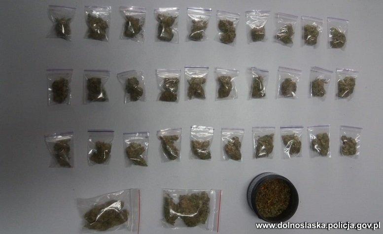 Dolnośląscy policjanci przechwycili ponad 1,5 tys. porcji narkotyków
